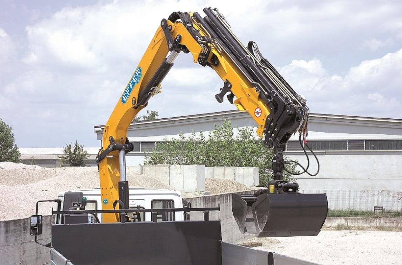 Effer-Crane-135-4