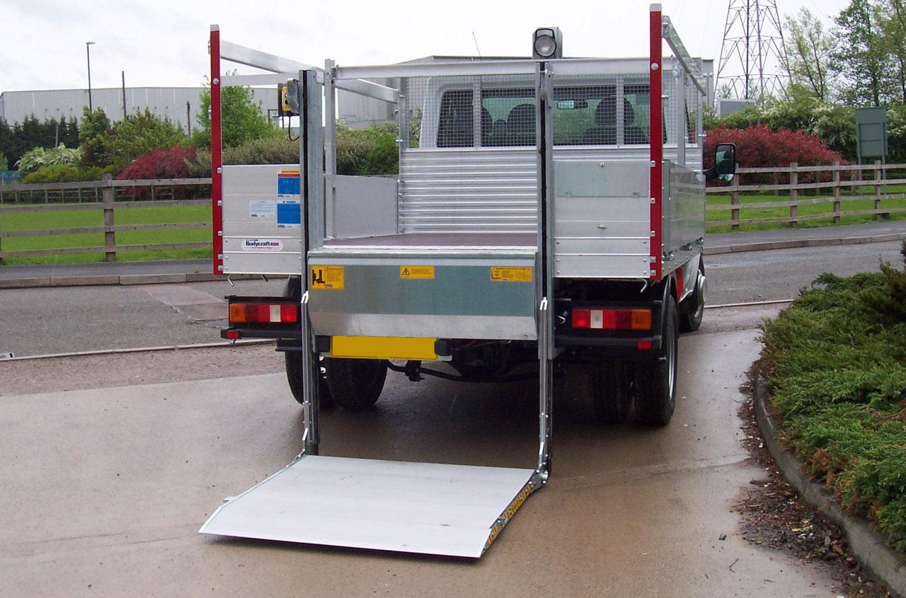 del-tail-lift-NL500HG