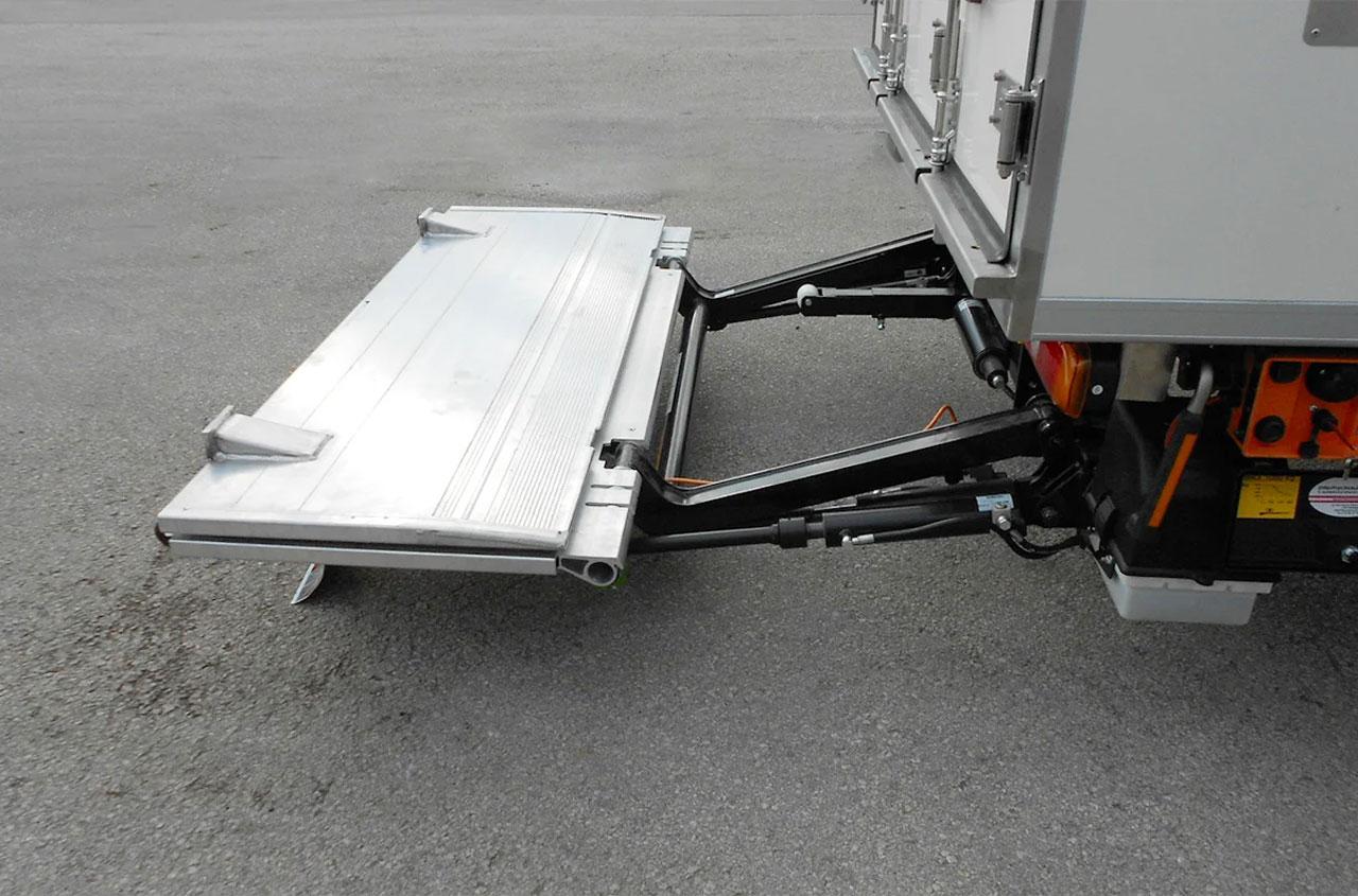 zepro-tail-lift-ZEPRO-SZD75-100-03