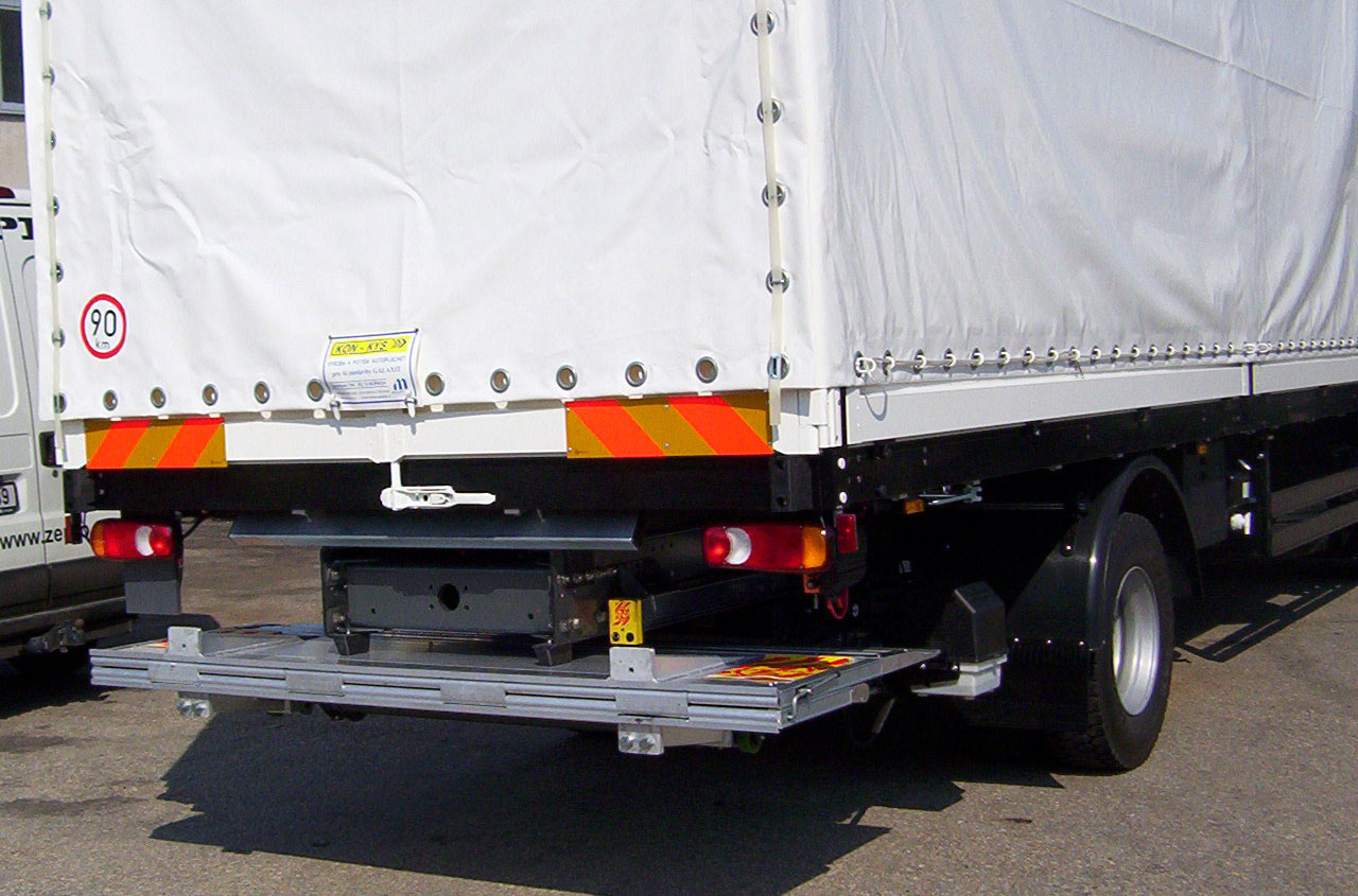 zepro-tail-lift-SZH-100-152-02